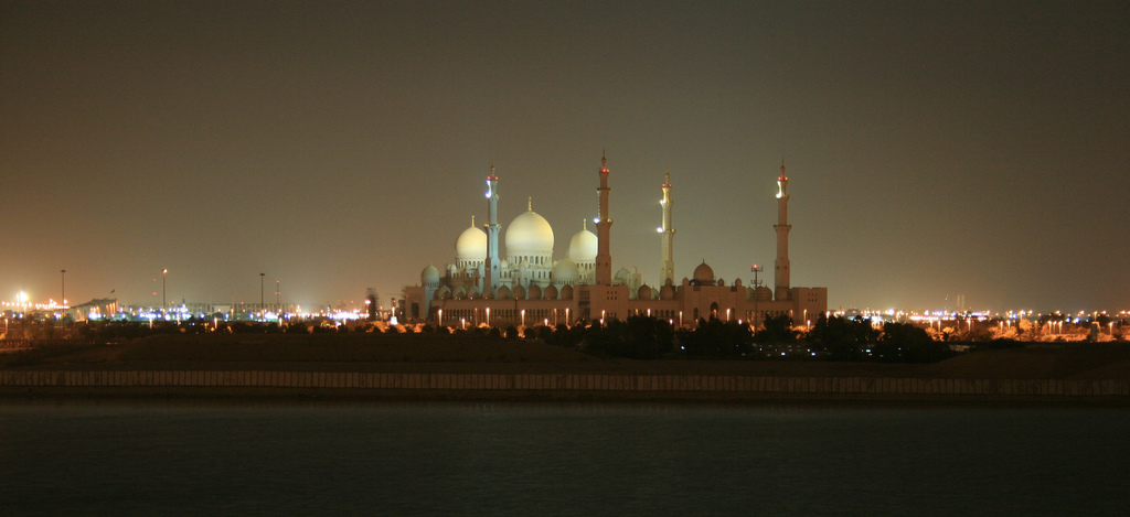 """Grand Mosque, Abu Dhabi"" (CC BY-SA 2.0) by Bob McCaffrey"